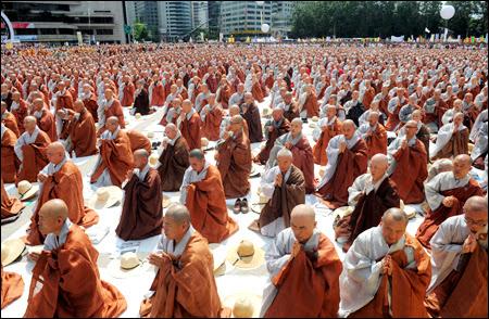 Ảnh hưởng của Phật giáo đến các giá trị đạo đức Xã Hội của người Việt