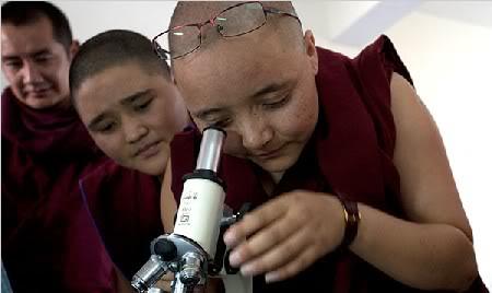 Sự sai biệt giữa Phật học và Khoa học