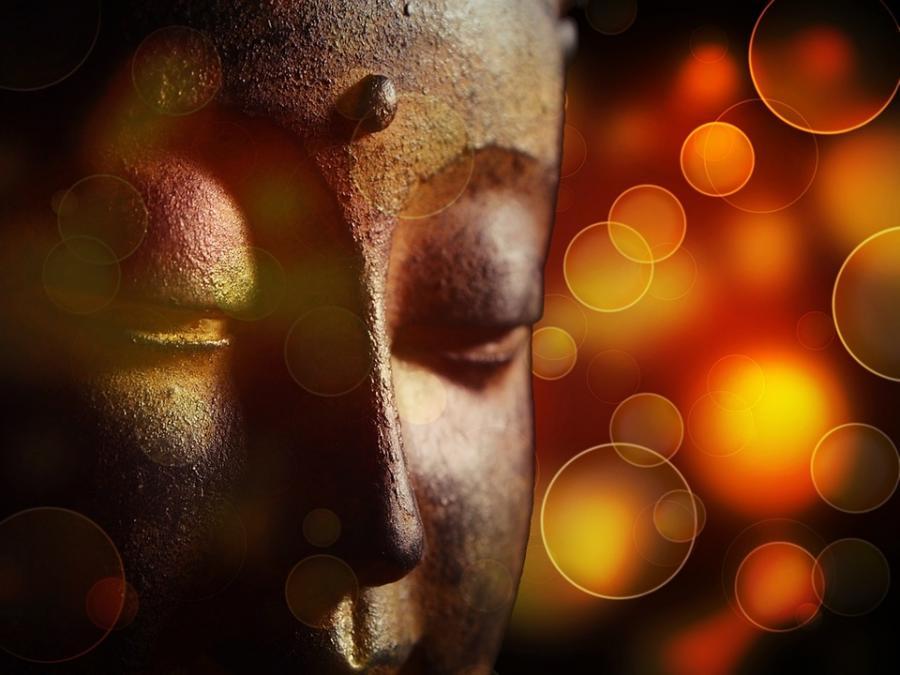 Thiền - lắng nghe dòng suy nghĩ