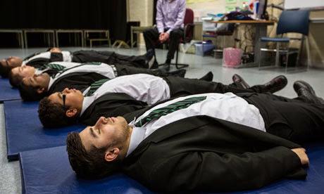 Thiền trong trường học giúp tĩnh tâm và giải toả căng thẳng