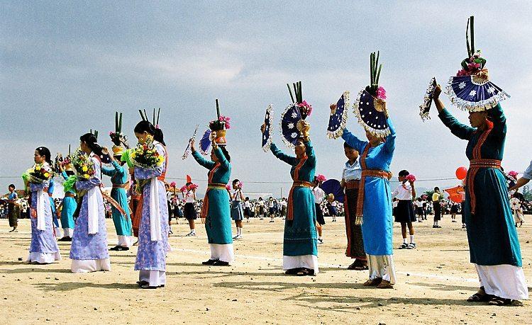 Các cách đón Tết của một số dân tộc tại Việt Nam