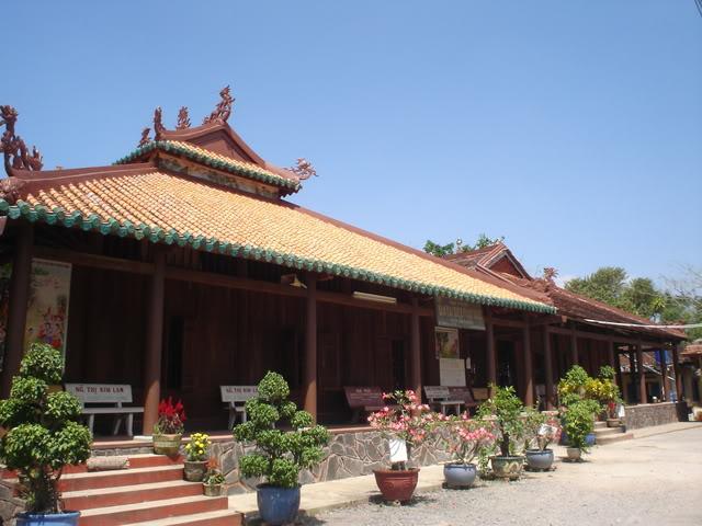 Chùa Tôn Thạnh - Cần Giuộc, Long An