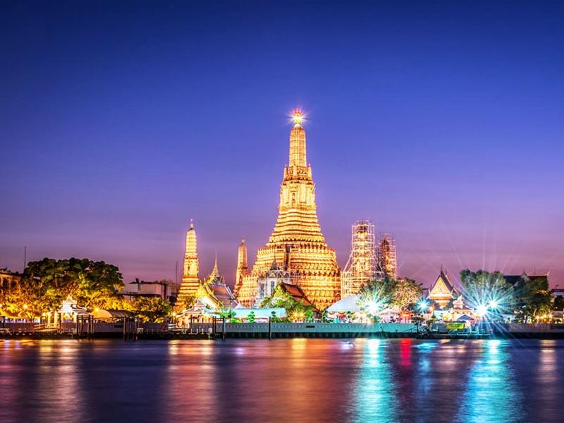 Chùa Wat Arun Một Ngôi Chùa Nổi Tiếng Linh Thiêng Ở Bangkok