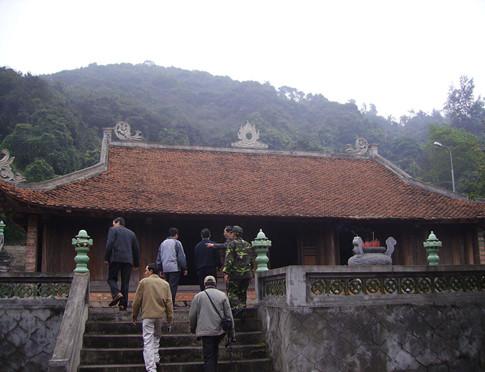 Đảo Song Ngư và ngôi chùa 800 tuổi