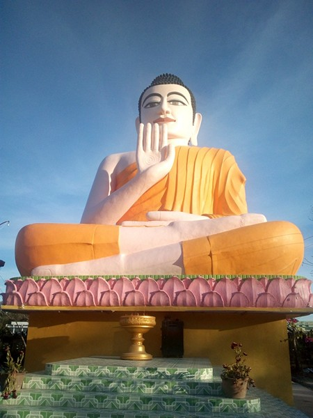 Ghé thăm tượng Phật ngồi ấn tượng nhất Bạc Liêu