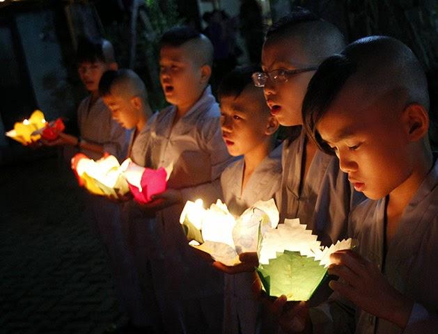 Hãy tạo duyên Phật pháp cho thế hệ trẻ