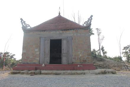 Khám phá ngôi chùa cổ Am Các chứa nhiều bí ẩn trên núi cao