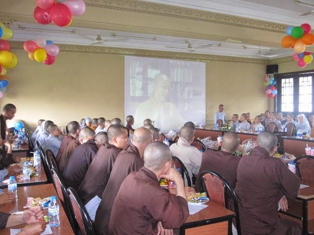 Người con Phật nhìn về gia đình