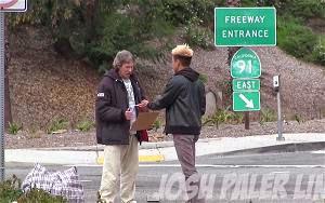 Người đàn ông vô gia cư đã tiêu 100 usd như thế nào