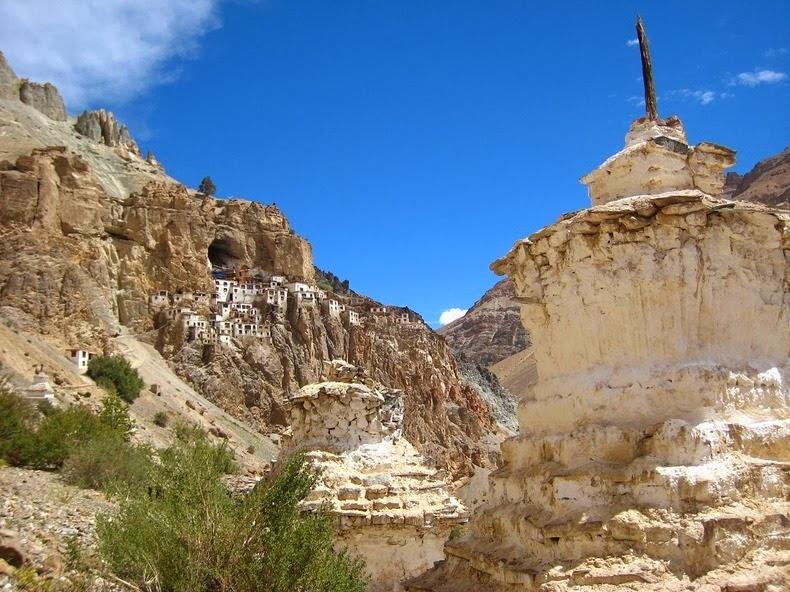 Phuktal: Tu Viện cheo leo trên vách đá