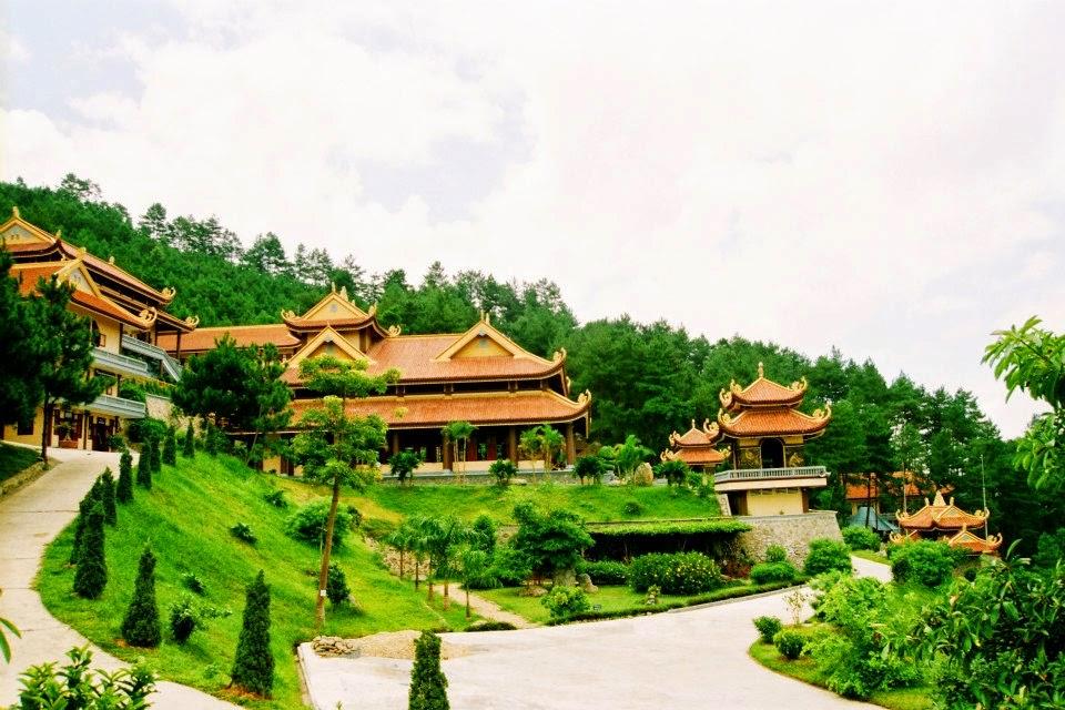 Thiền Viện Trúc Lâm Tây Thiên - Cực Lạc Chốn Trần Gian