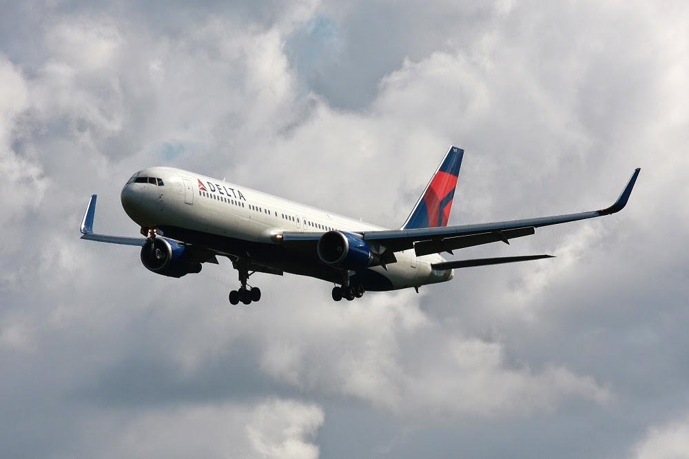 Tình người qua chuyến bay Delta 15