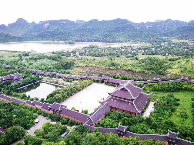 Toàn cảnh ngôi chùa lớn nhất Việt Nam nhìn từ độ cao 100m