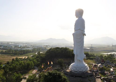 Tượng Phật A Di Đà lớn nhất Việt Nam