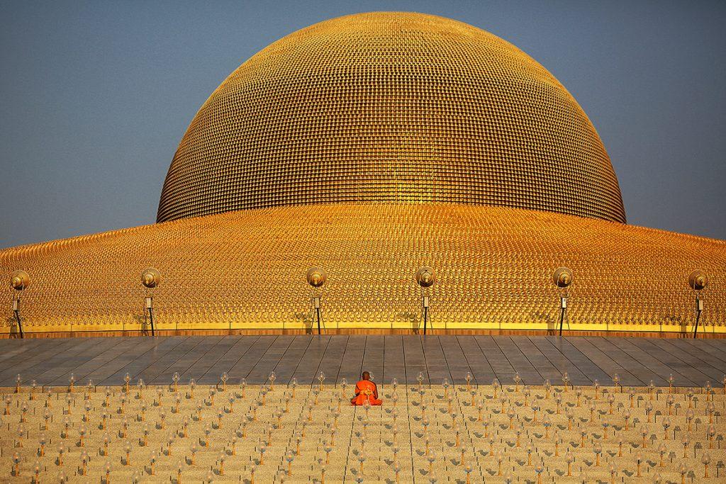 Wat Phra Dhammakaya – Ngôi Chùa Nổi Tiếng Ở Thái Lan