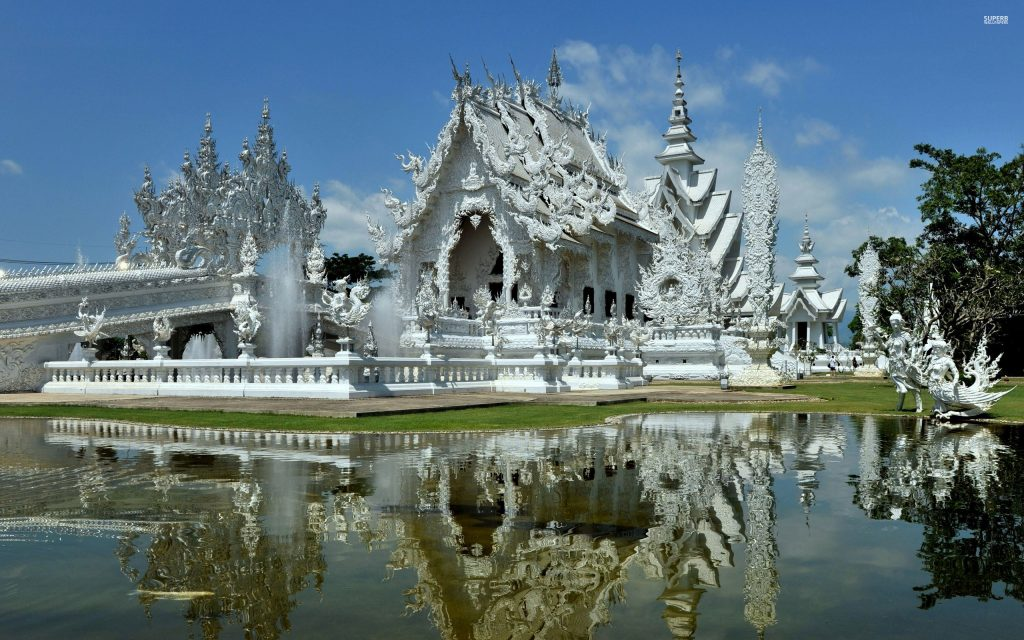 Wat Rong Khun – Chùa Nổi Tiếng Thái Lan Hút Khách Du Lịch